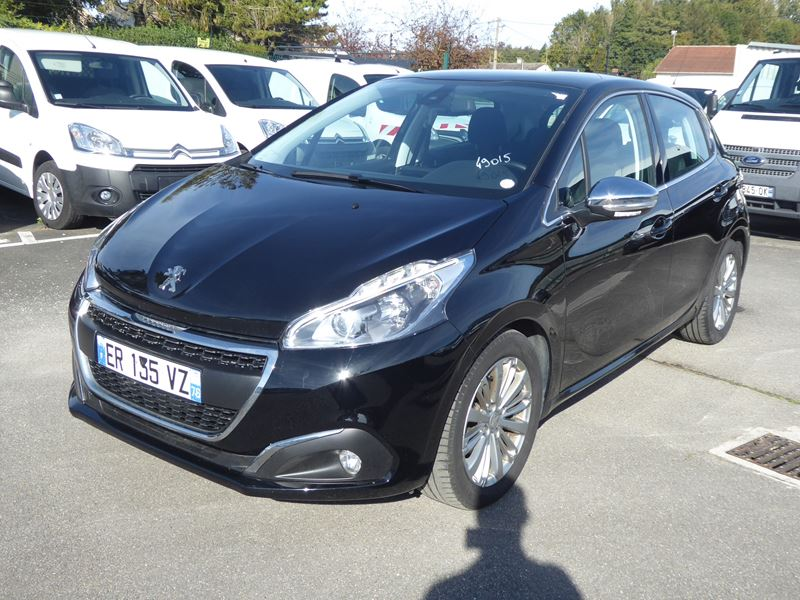 Véhicule occasion - PEUGEOT - 208