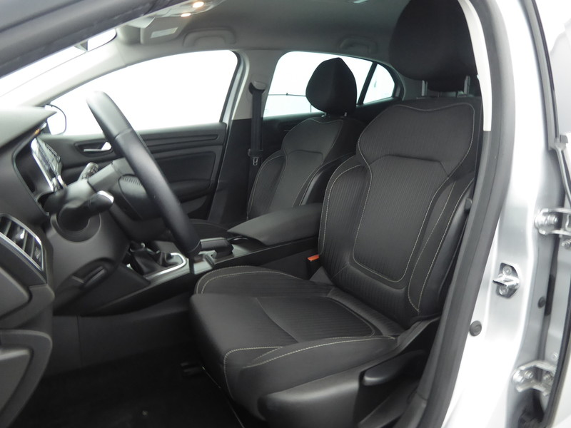 RENAULT MEGANE IV 1.5 DCI 110CH ENERGY LIMITED EDITION : 58246 - Photo 7